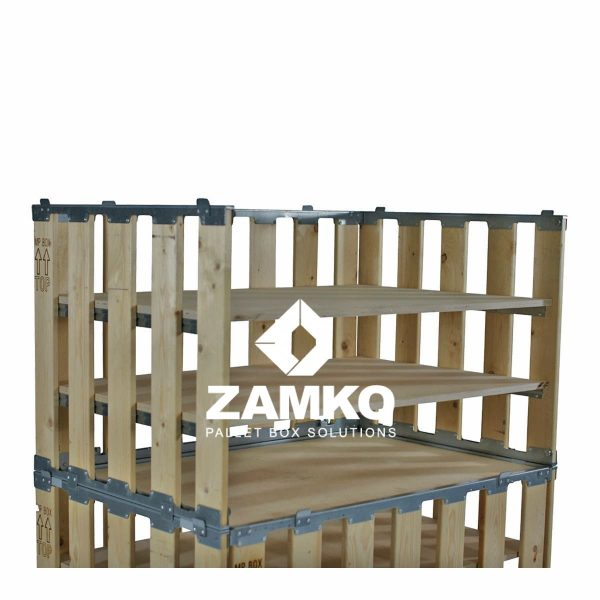 Pallet Display with Flexible Shelves