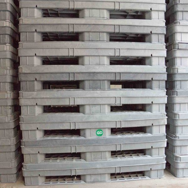 Plastic Stillages Used